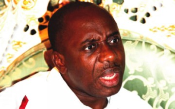 BREAKING: Gunmen Open Fire At Governor Amaechi's Convoy