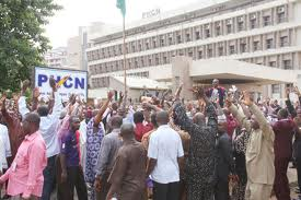 phcn - Electricity workers suspend strike amidst nationwide blackout