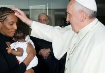 Sudanese woman with the pope