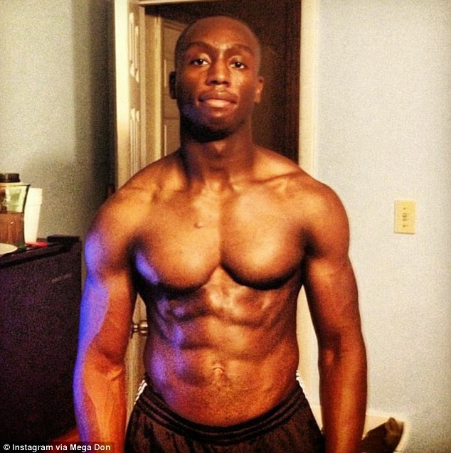 [Shocking] 23 year old Nigerian arrested after jumping White House fence {See Photos}