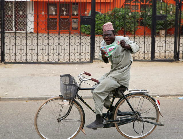 PHOTO: Man Rides Bicycle From Kaduna To Lagos To Thank Yorubas For Voting For Buhari