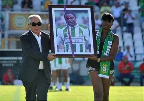 [PHOTO] Rashidi Yekini, Forgotten In Nigeria…Remembered In Portugal