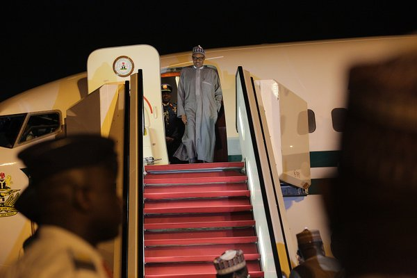 [PHOTOS] Buhari Arrives Nigeria After His 5-Day Vacation In London