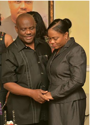 [PHOTOS] Governor Wike Kisses His Wife At Her Birthday Party