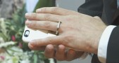 Man-marries-his-smartphone-in-church-ceremony2