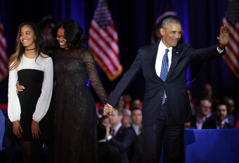 Video Of Obama Praising Michelle, Malia, & Sasha During His Farewell Address Is A Must-Watch
