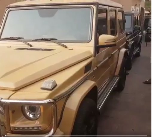 [PHOTOS, VIDEO] 10 G-Wagons Including Gold-Plated One Allegedly Found In Compound Of 'Unknown' Prominent Nigerian
