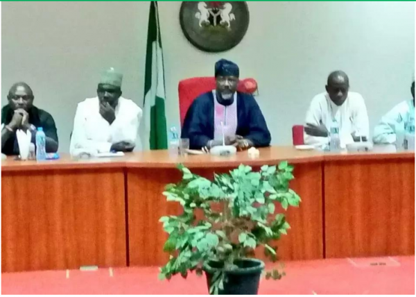 [PHOTOS] Former ABU Classmates Pay Courtesy Visit To Dino Melaye At Senate