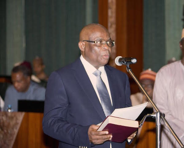 Osinbajo swears in Walter Onnoghen as Chief Justice of Nigeria1 1 - [BREAKING] Onnoghen Resigns As Chief Justice of Nigeria