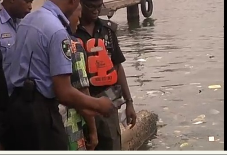 [PHOTOS, VIDEO] Body Of The Doctor Who Committed Suicide Recovered By Police In Lagos