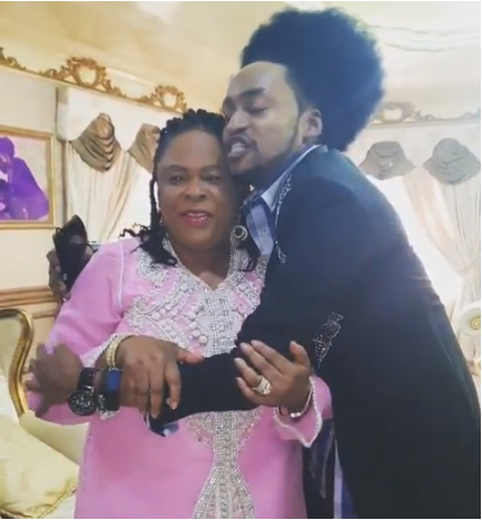 Patience Jonathan and Denrele - [VIDEO] Denrele Edun Praises Former First Lady Patience Jonathan
