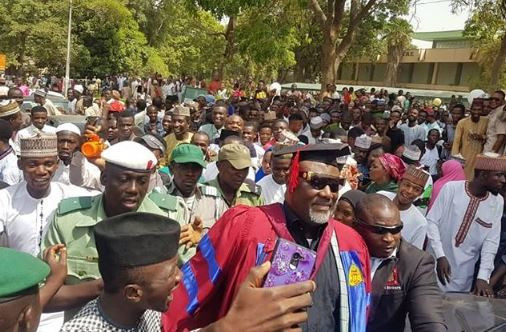 Dino Melaye Dangote - Photos: Aliko Dangote Attends Senator Dino Melaye's Convocation As He Bags An Msc