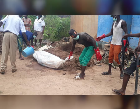 exhumed body - Video: Police Exhume Corpse Of 25-Year-Old Lady Allegedly Killed For Rituals In Oyo