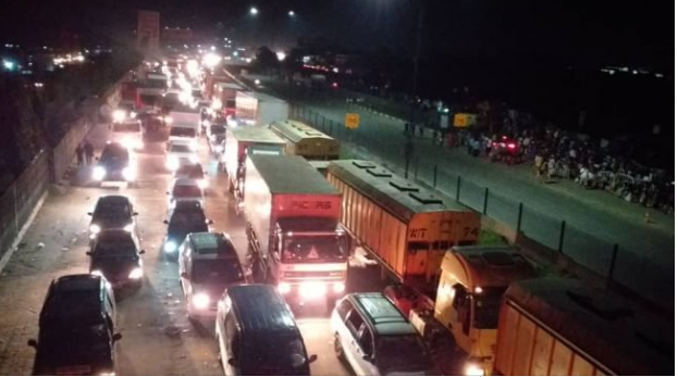 Friday Lagos Traffic - How accident on Otedola Bridge caused the worst-ever traffic jam in Lagos + See Photos