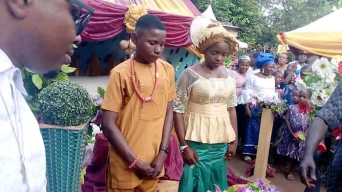 17 year old boy marries 16 year old girl in anambra state - [PHOTO] Shock as 17-Year-Old Boy Marries 16 Year Old Girl In Anambra State