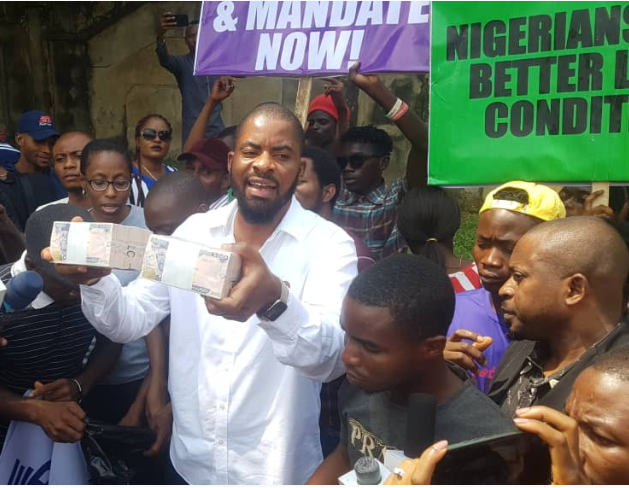 deji adeyanju free sowore protest - 'I was offered N1 Million at gunpoint to suspend #FreeSowore Protest' -Deji Adeyanju